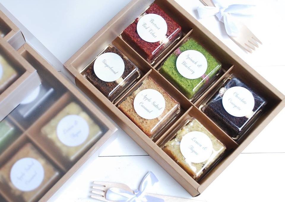 Wedding cake sample box. 6 flavours of delicious sponge cake samples packaged beautifully and sent out by post.