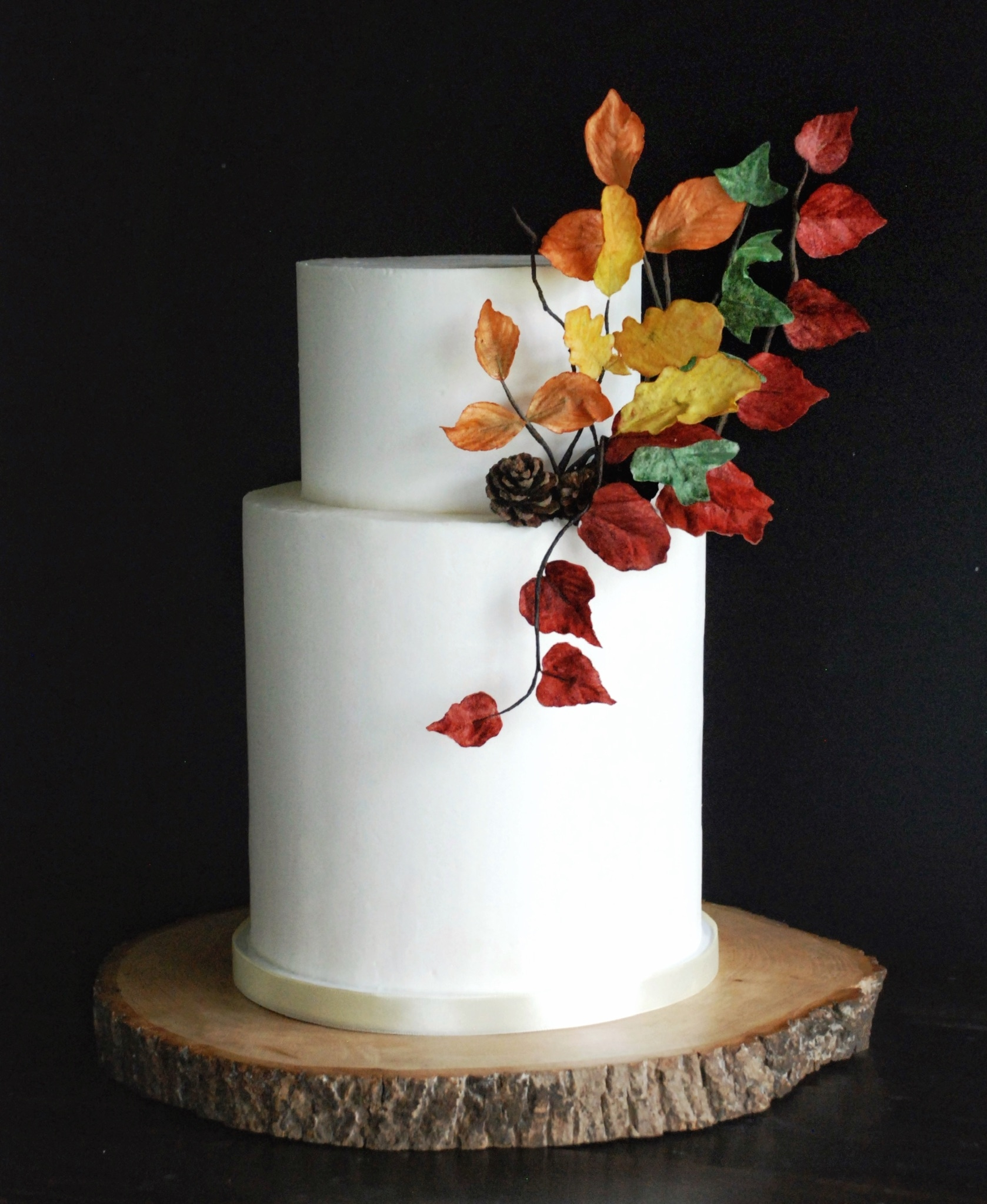 Autumn wedding cake wafer paper leaves